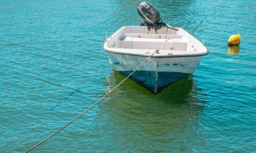 Dit is waarom een buitenboordmotor ideaal is voor lichte boten