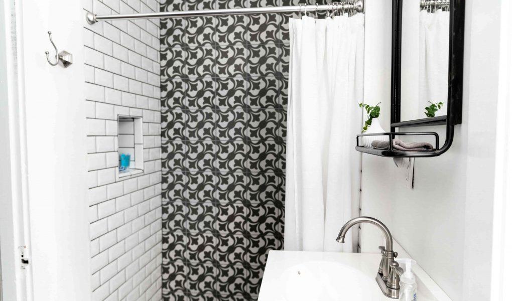 Zelf een badkamermeubel ophangen, hoe dan?